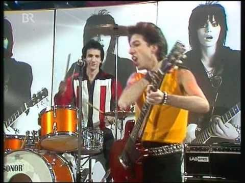 One of the best live performances I've seen on youtube. Joan Jett & The Blackhearts, Do You Wanna Touch me, on Musikladen. From what I've seen, Musikladen was THE SHIT.