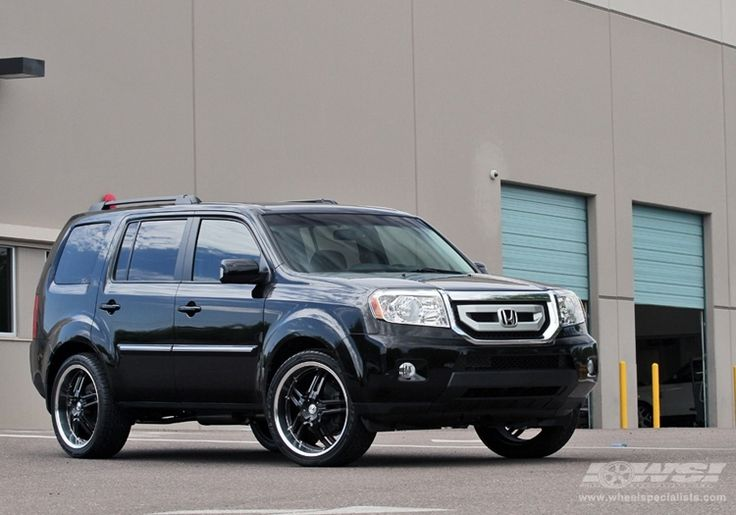 "2010 Honda Pilot with 22"" Giovanna Closeouts Giovanna Cuomo in Black (Machined Lip) wheels 