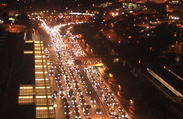 Traffic congestion at Reagan Airport Sunday linked to Metro closure