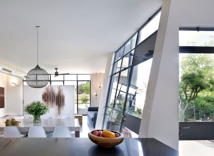 Green House by Sharon Neuman Architects | HomeDSGN, a daily source for inspiration and fresh ideas on interior design and home decoration.