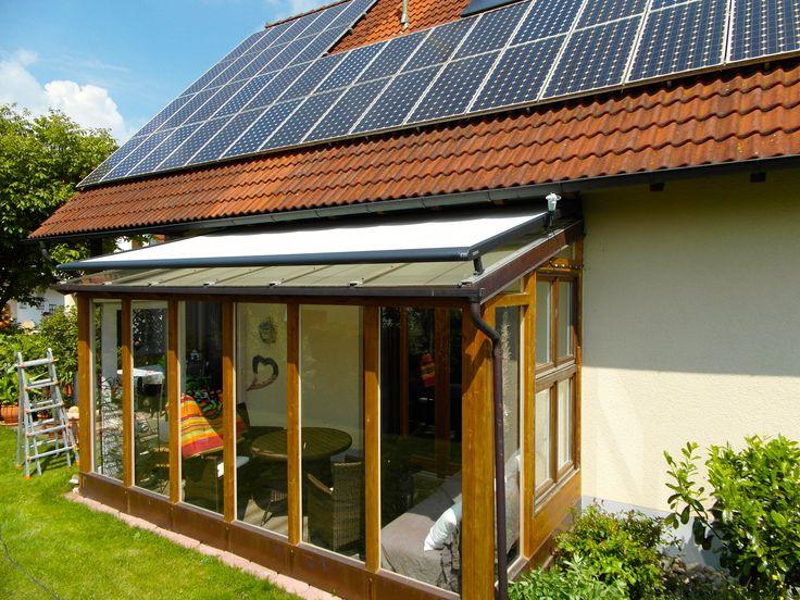 Wintergarten-Markisen werden besonders beansprucht, daher erhalten Sie bei ferobau absolut robuste und hochwertige Anlagen natürlich mit Sonnen- und Windsensorik. [FEROBAU]