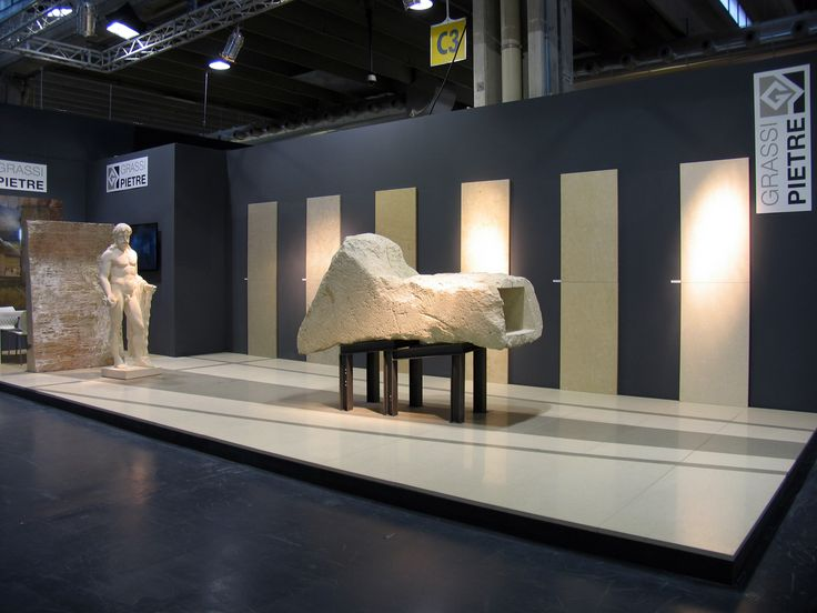 The idea that created  the stand design is a path  which allows visitors to discover the many features and capabilities of the company of  Nanto (Vi). A common thread that tells the vast potential that Vicenza stone offers.