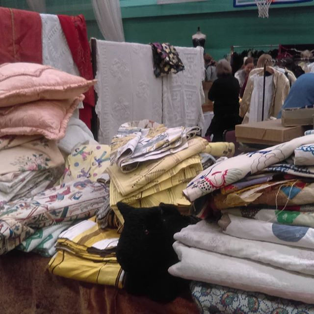 Manchester Costume And Textile Fair Armitage Centre Fallowfield Lots Of Beautiful Items Antiquetextiles Vintagef Vintage Fashion Uk Fashion Antique Textiles