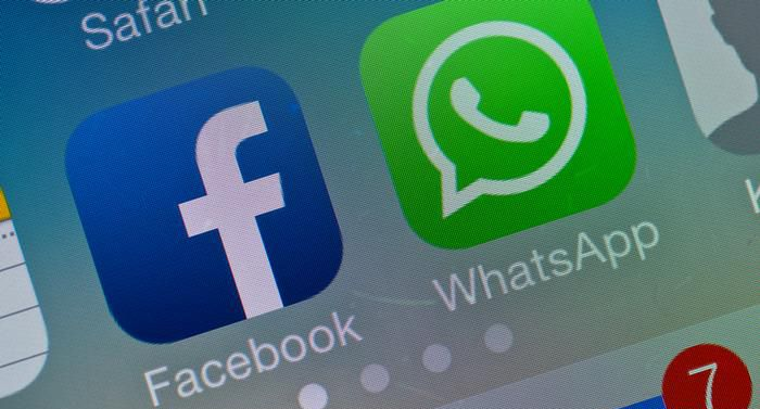 Facebook going to add whatsapp send button on facebook app