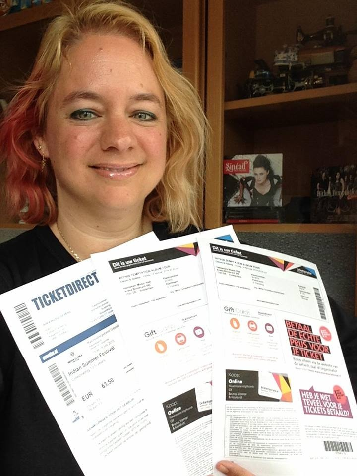 Ik heb de kaarten binnen voor HMH op Valentijnsdag 14 februari, en ik ga naar Indian Summer!!!  See you there!