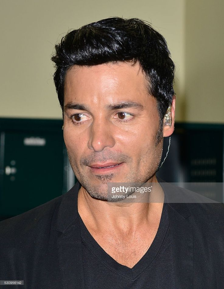 Chayanne backstage before participates in Benefit For Ecuador - 'Aqui Estoy' at BankUnited Center on May 11, 2016 in Miami, Florida.