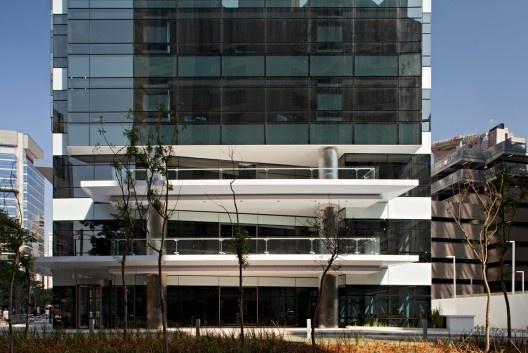 Edificio Eco Berrini / Aflalo e Gasperini Arquitetos