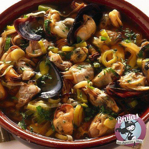 Cazuela de Mariscos, receta española...
