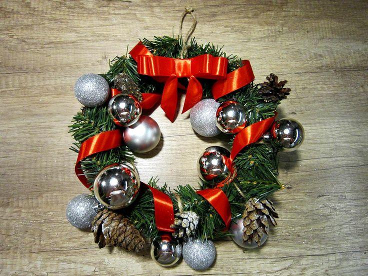 DIY christmas wreath 3 - lilmissboho.com