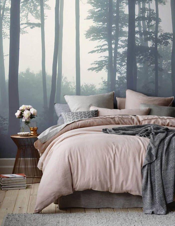 Un papier peint panoramique en guise de tête de lit