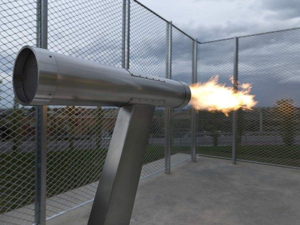 Simoncelli: sculpture at Coriano shoots a 58 second flame every Sunday evening