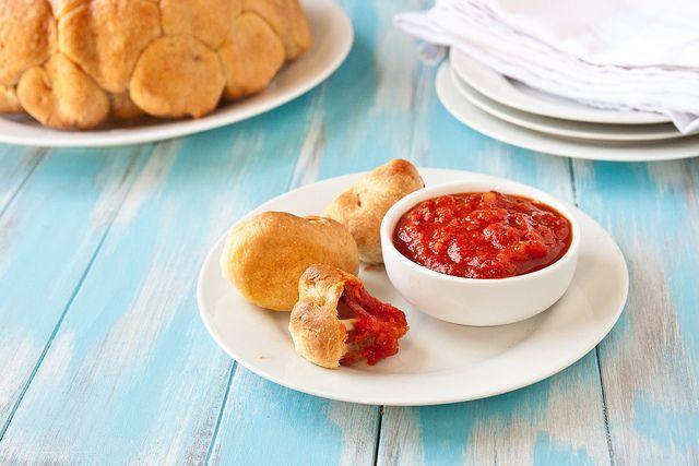 pepperoni monkey breadDinner, Ultimate Spider-Man, Fun Recipe, Pizza Monkeys Breads, Pepperoni Pizza, Food, Pizza Monkeybread, Pizza Bites, Garlic Butter