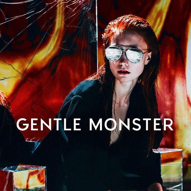 Gentle monster  campaign loox image #gentlemonster #loox #lookbook #campaign  Directing. @chogiseok  Photographer. @ralachoi Film. @Hobin.oo Styling. @Serian86  Hair & make-up. @Thepearlj  Set and object. @BokSebin, @wehearthate