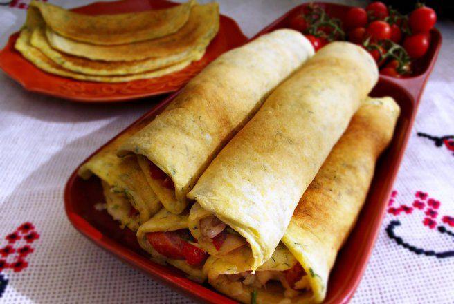 Retete Culinare - Clatite aperitiv, cu malai in aluat si umplutura de pizza