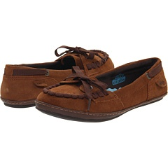 """My newest """"social worker"""" shoes.  $12.99, no shipping.  They are so comfortable."""