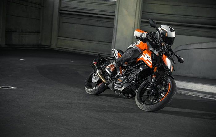 2017 KTM Duke 125 makes global debut at 2016 EICMA