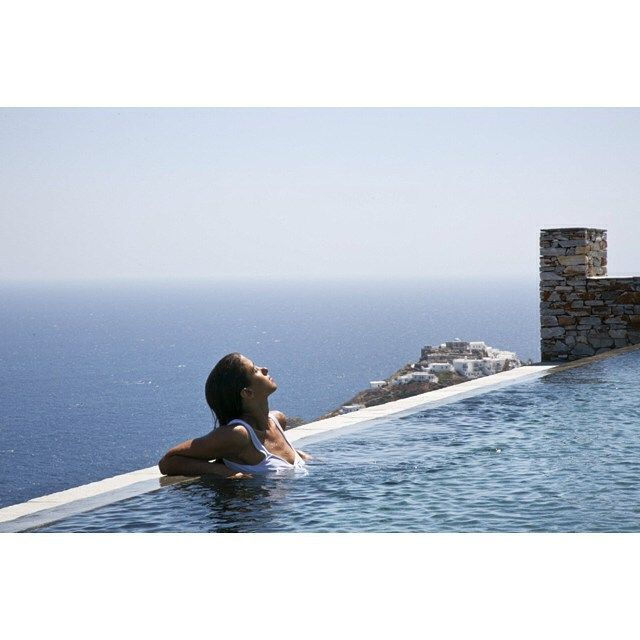 Infinity Pool in Greece (Sifnos) with sea views