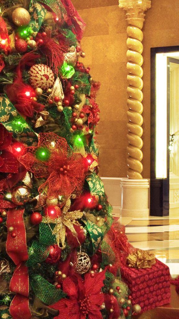 67 best commercial christmas decorations images on. Black Bedroom Furniture Sets. Home Design Ideas