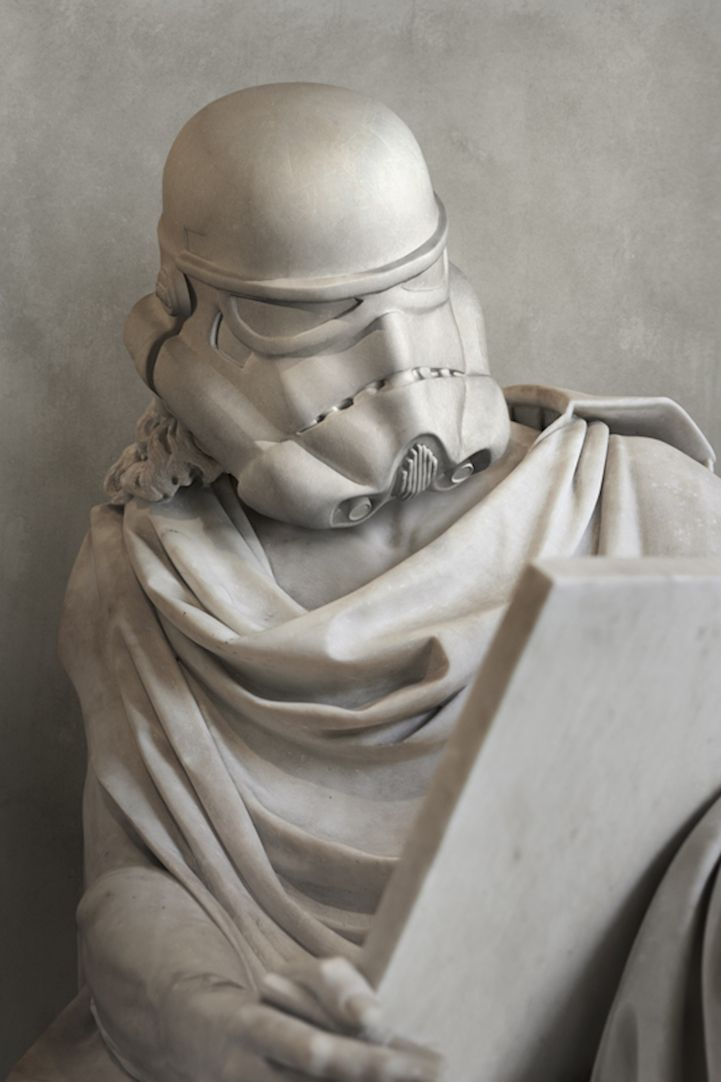 Artist Travis Durden successfully combined classic Greek sculptures with modern-day pop culture. #sculpture