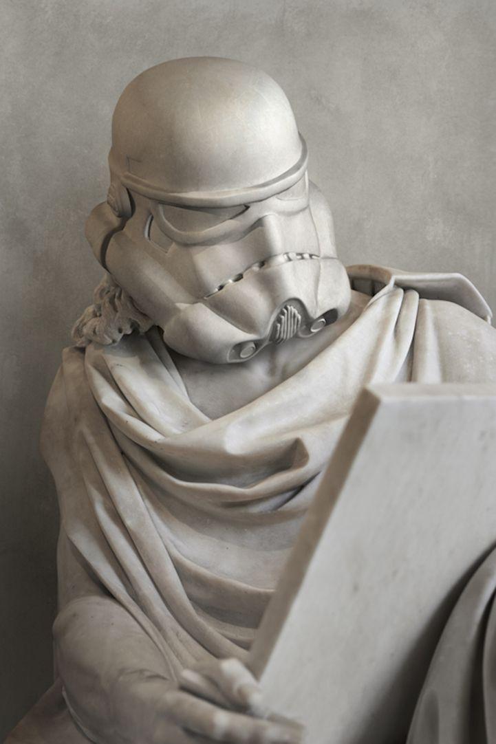 Artist Travis Durden successfully combined classic Greek sculptures with modern-day pop culture. #sculpture