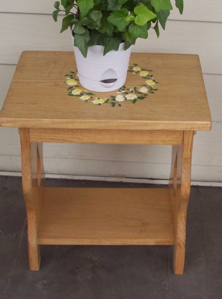 Plant stand  wooden table  hand painted  flower wreath  acrylic painting   small. 23 best painted furniture images on Pinterest   Acrylic paintings