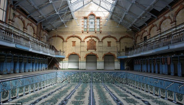Unused: In the past, the pool was used to train both male and female professional and synchronised swimmers. Victoria Baths