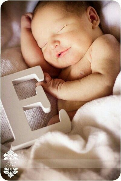 Adorable baby picture idea!