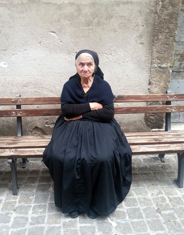 Traditional clothes in Scanno #Abruzzo #italy