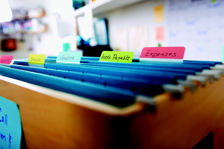 Keep all your important documents organized with handy Post-it® Tabs!    What's your organizing style? Find out by clicking the link below!  Post-it.com/domore