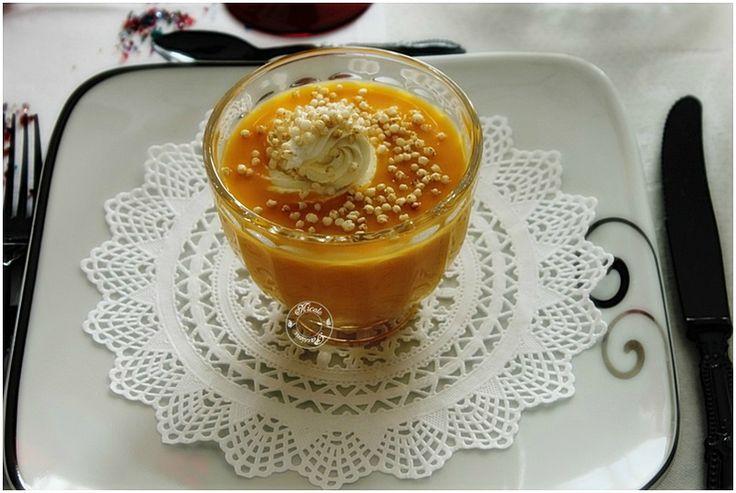 Velouté de butternut au lait de coco et gingembre....Chantilly de cèpes et quinoa soufflé...