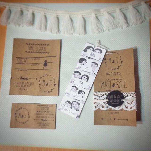 Tarjeta de casamiento: Paper Kraft Black ~ ♡ #florenciarezzanodesings  #casamiento #boda #wedding #merried #weddinginvitations #invitaciones #scrapbooking