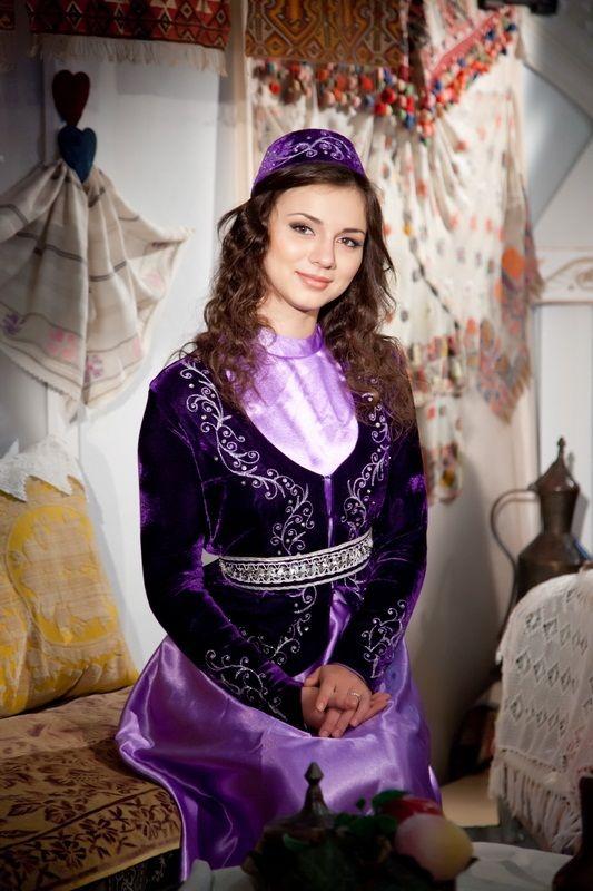 крымская татарка в национальном костюме фото