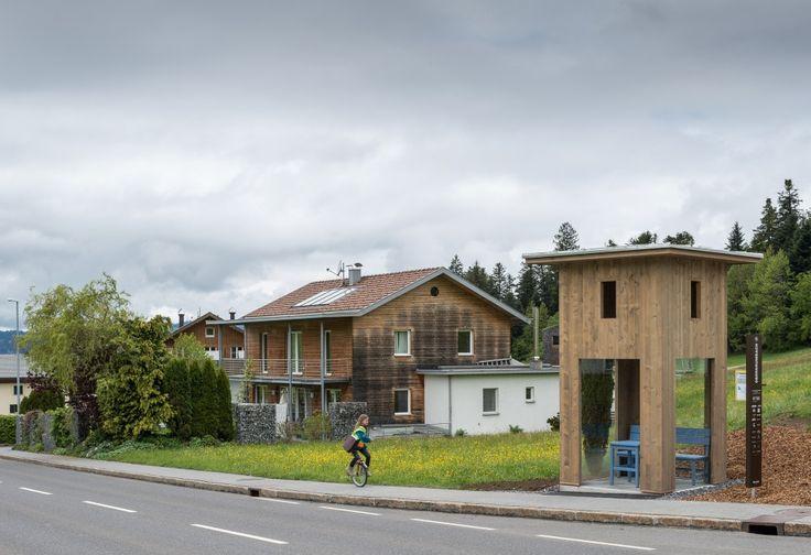 BUS:STOP Revela los 7 Paraderos de Bus diseñados por Importantes Arquitectos BUS:STOP Unveils 7 Unusual Bus Shelters by World Class Architects – Plataforma Arquitectura