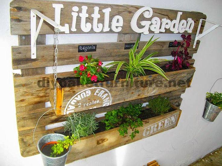 muebles de palets una jardinera hecha con un palet y varias tablas