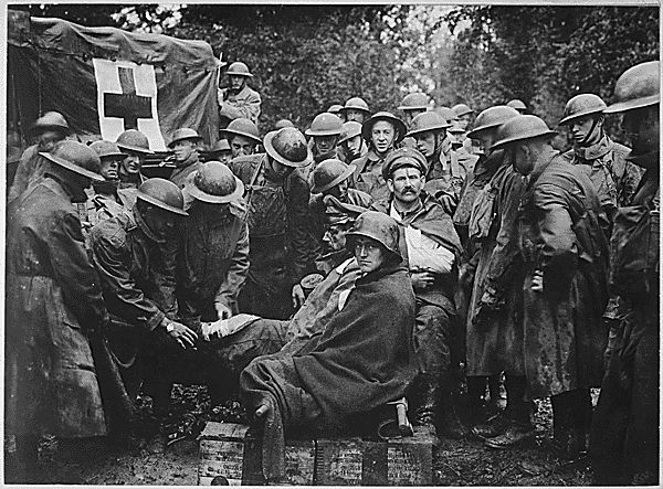 Image result for ww1 german medical treatment in trenches
