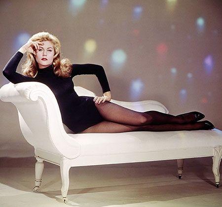 "Old School Halloween Cool: Elizabeth Montgomery/ ""Bewitched"" (1964)"
