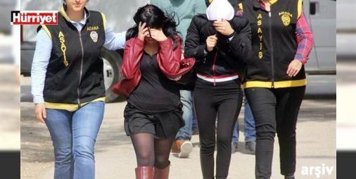 Çocuklarını evde bırakıp swinger partisine gittiler! : Adanada 3 yıldızlı otelde swinger partisi yaptıkları iddiasıyla gözaltına alınan karı kocanın evinde yapılan aramada 4 yaşında bir kız çocuğu bulundu. Kızın çiftin çocuğu olduğu çiftin fuhuş yapmaya çıktığında çocuklarını evde yalnız bıraktığı belirlendi  http://ift.tt/2dA9PlJ #Türkiye   #çocuğu #swinger #çiftin #evde #Kızın