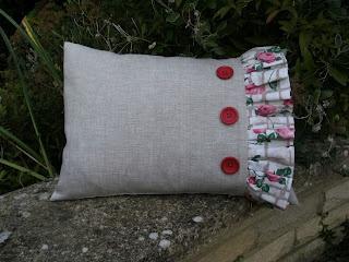 Make a Frilled Cushion
