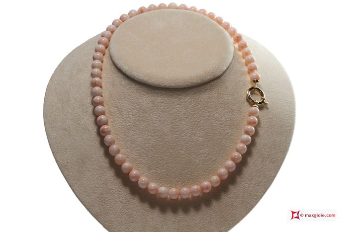 Extra Pink Coral Necklace 8-8½mm round in Gold 18K Collana Corallo rosa Extra pallini 8-8½mm in Oro 18K #jewelery #luxury #trend #fashion #style #italianstyle #lifestyle #gold #silver #store #collection #shop #shopping #showroom #mode #chic #love #loveit #lovely #style #beautiful #pretty #madeinitaly #bestoftheday #necklace #necklaceforsale