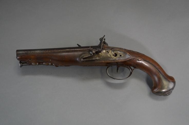 pistolet silex 2 canons en table sign droguet lamballe monture acier poque louis xvi. Black Bedroom Furniture Sets. Home Design Ideas