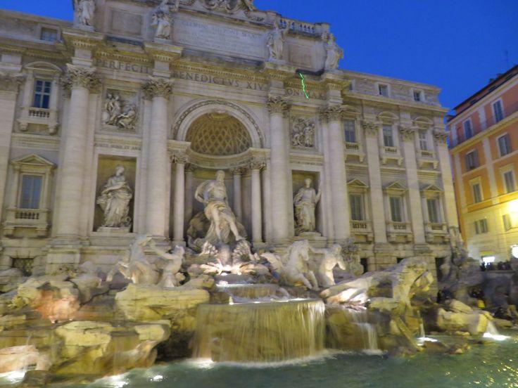 La Fuente de Trevi. Roma