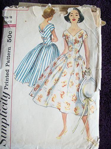 1950s Fitted Bodice,Vee Neckline Full Skirt Dress Pattern Vintage size 16(12)