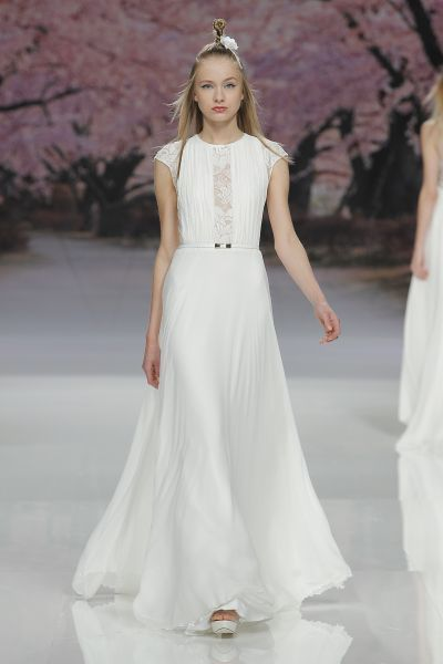 Vestidos de novia cuello redondo 2017: Un diseño que no pasa de moda Image: 16