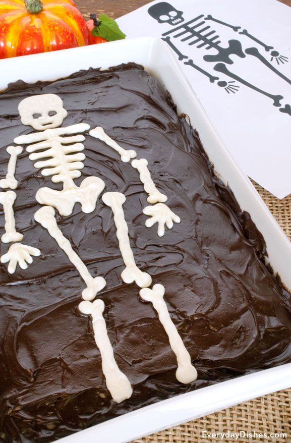 Get your spook on—choose any cake and top it with this super easy skeleton template for Halloween!