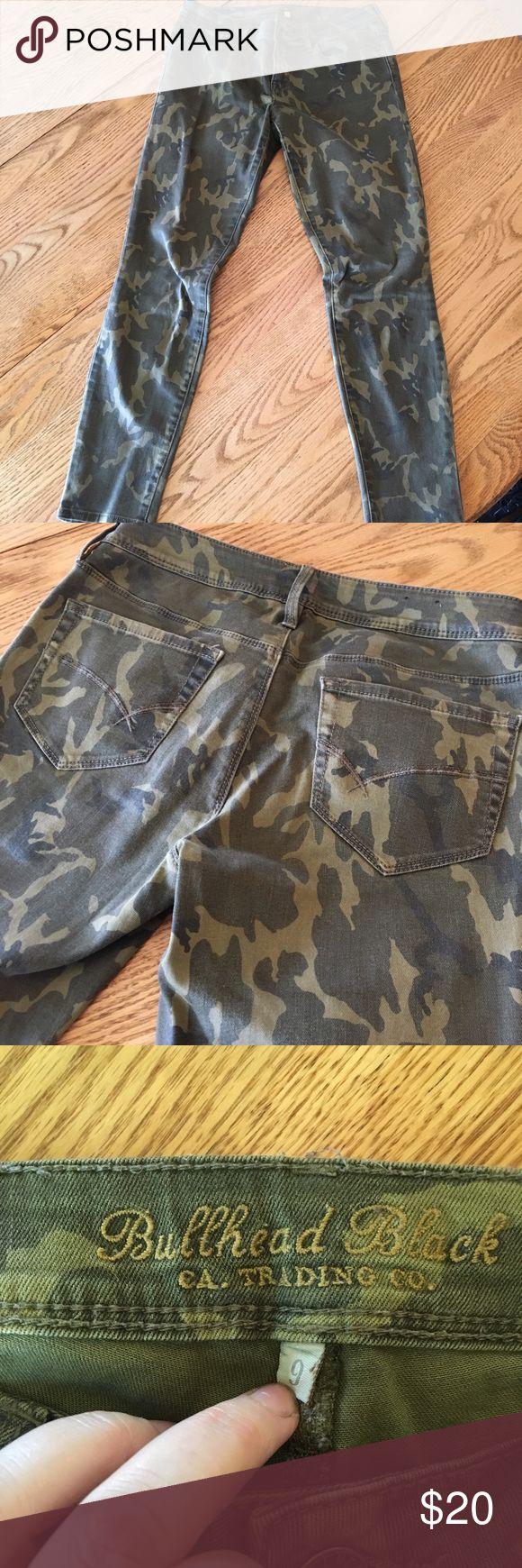 Bullhead Black camo skinny jeans Bullhead Black camo skinny jeans.  Size 9 PacSun Pants Skinny