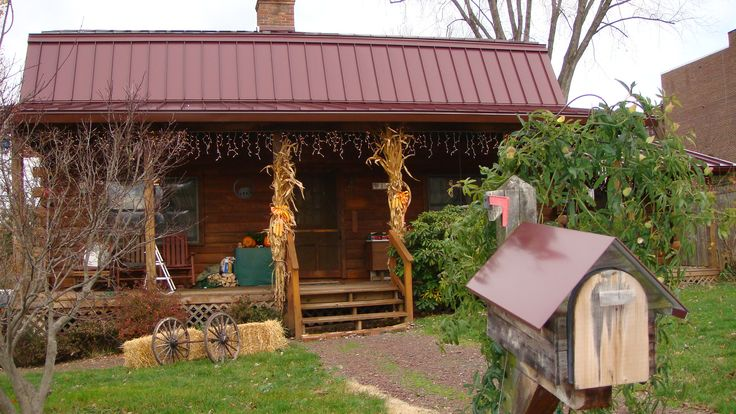 Best Burgandy Red Metal Roof On Log Cabin With Matching Mailbox Ideas For The House Pinterest 640 x 480