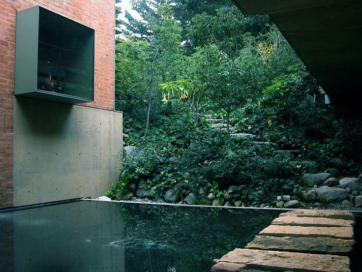 CASA BROSS | La Loma, Santa Fé    Arquitecto: Alberto Kalach   Desarrollo: Taller de Arquitectura X - 2005