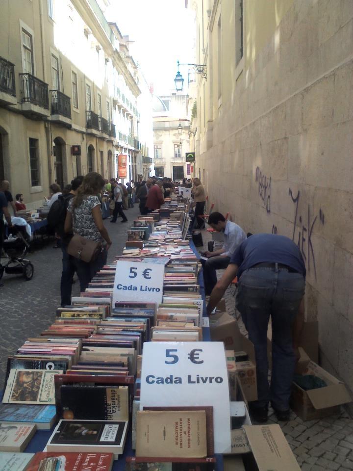 Glorious #books in #Lisbon © Martyn Baker