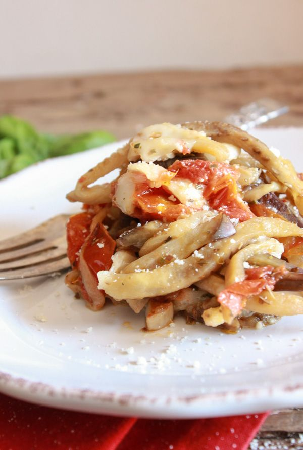 281 best vegetarian italian inspired recipes images on pinterest one pot italian eggplant noodle parmesan an easy one pot vegetarian recipe the classic italian recipe gets a healthy makeover forumfinder Gallery