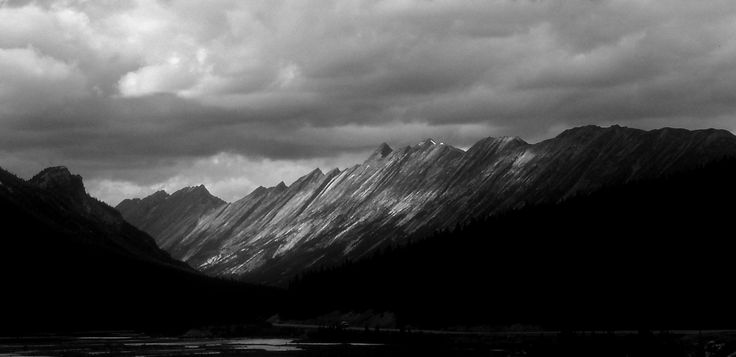 https://flic.kr/p/CZmAUd | Light and Shade Rockies